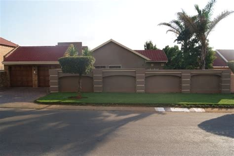 houses to buy in johannesburg buy a house in johannesburg 28 images benoni lakefield property houses for sale