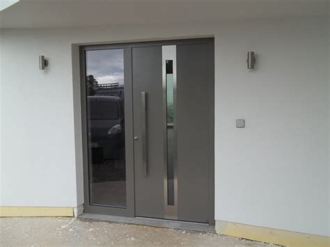 Front Door Aluminium 5 Advantages Of Owning An Aluminium Front Door Interior Design Design News And Architecture