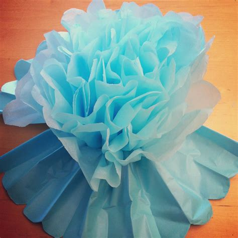 How To Make Decorations With Tissue Paper - tutorial how to make diy tissue paper flowers