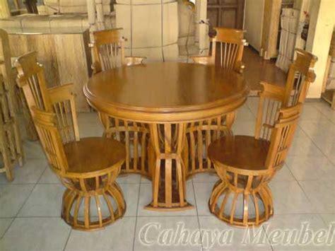 Meja Kayu Biasa meja makan antik kayu jati meja makan unik cahaya mebel