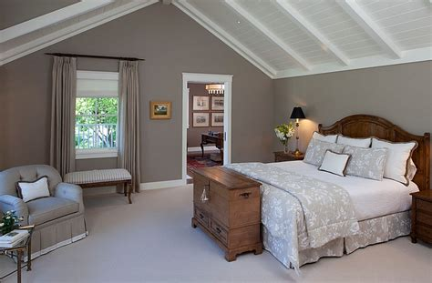 Bedrooms With Slanted Ceilings by How To Decorate Rooms With Slanted Ceiling Design Ideas
