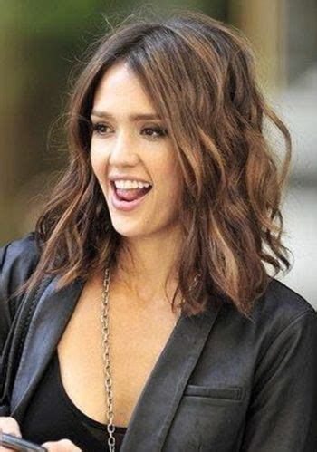 hairstyles below the shoulder a mid length bob cut just below the shoulders a perfect