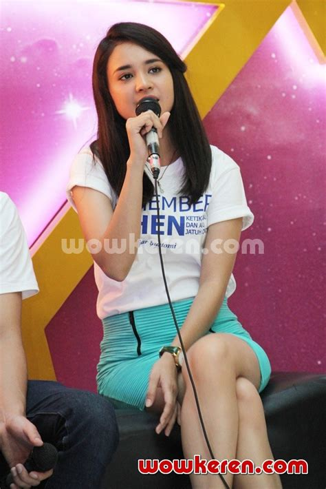 foto michelle ziudith dalam film remember when foto michelle zudith di meet greet remember when