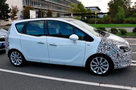 opel meriva 2014 spyshots 2014 opel vauxhall meriva facelift autoevolution