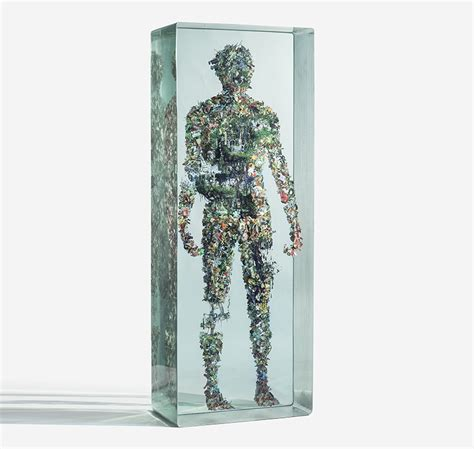 Designboom Dustin Yellin | dustin yellin confines collaged figures in layers of glass