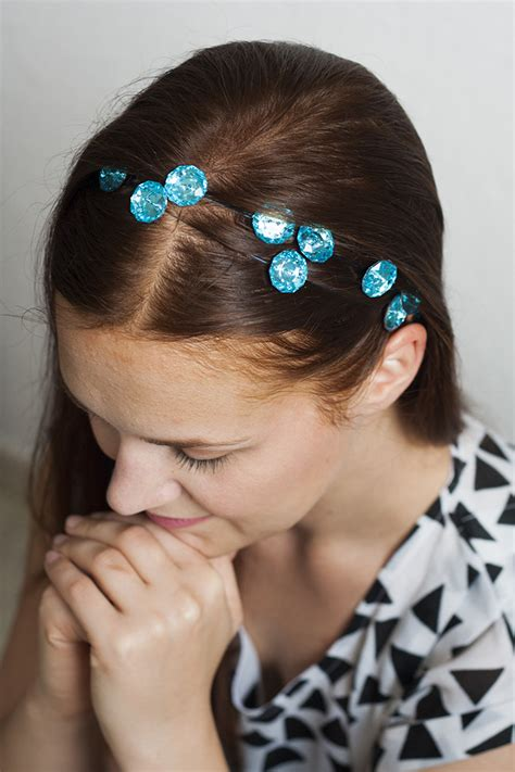 Easy Accessories To Make by 7 Easy To Make Hair Accessories The Craftables