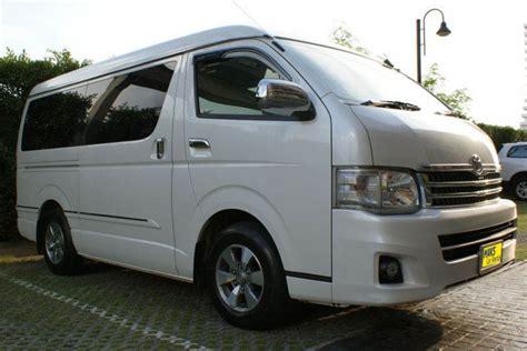 car rental toyota ventury 2012 in pattaya