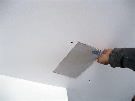 Reboucher Trou Plafond Platre by Reboucher Fissure Plafond Avec Calicot Reboucher Fissure