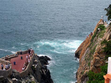 la quebrada acapulco file la quebrada in acapulco mexico 2007 2 jpg