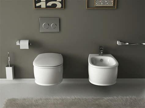 wie setzt sich auf ein bidet kleines badezimmer einrichten und modern ausstatten