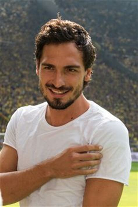 Beli 2 Gratis 1 Wingo Football Chlcolate 900gr 1000 images about mats hummels on mats hummels borussia dortmund and world cup