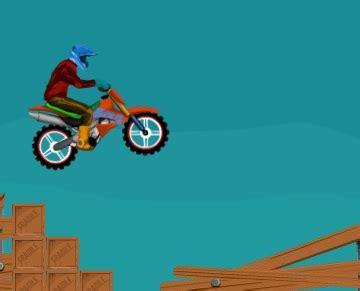 motosiklet oyunu oyna