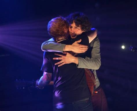 download ed sheeran chasing cars mp3 ed sheeran embraces snow patrol s lightbody on stage after