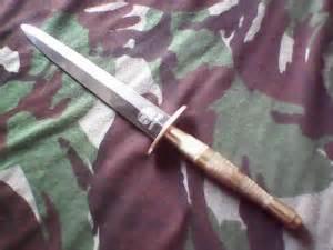 Pisau Komando Kopassus nias satu 187 rumah adat baw 246 mataluo koleksi pisau komando sarwo edhie