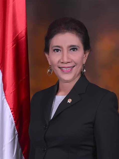 foto tato susi menteri kelautan susi pudjiastuti wikipedia bahasa indonesia