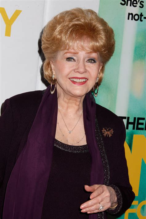 debbie reynolds picture 2 debbie reynolds at a photocall debbie reynolds dies a day after daughter carrie fisher