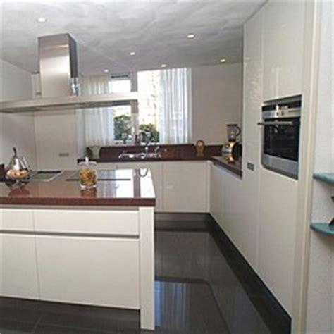 inbouwkeuken monteren rvs keukenplint ghert tot 24 cm hoog per 270 cm