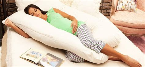 Whats The Best Pregnancy Pillow by The Best Pregnancy Pillow To Get Some Much Needed Sleep 2017
