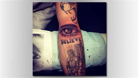 justin bieber radio tattoo justin bieber gets tattoo representing mom s eye music