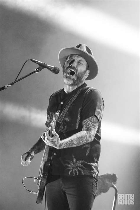the city and color city and colour effortlessly enamour fans at the wiltern