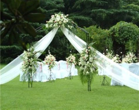 Outdoor Wedding Ceremony Decorations by Outdoor Wedding Ceremony Decorations The Wedding Specialists