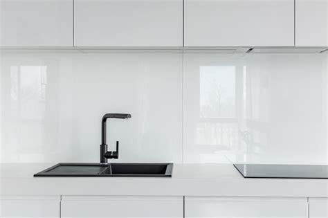 credence verre sur mesure 3815 cr 233 dence de cuisine en verre sur mesure securit
