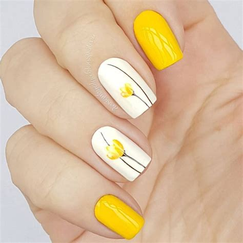 design on nails nail 25 best ideas about nail on nails pretty