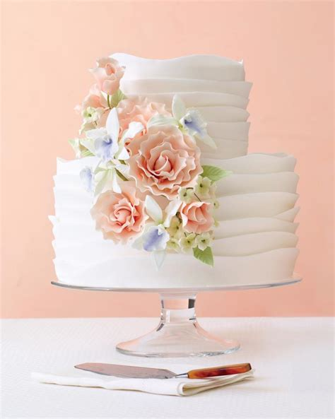 Sugar Flowers Wedding Cakes by 7 Pretty Cakes We Can T Stop Looking At