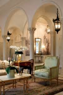 pillars in home decorating eye for design decorating with columns