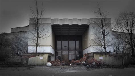 america s malls and department stores are dying off time autopsy of america photos of dead shopping malls