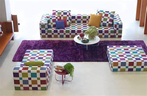 tessuti per foderare divani i nuovi divani quot in linea quot presentati al salone mobile