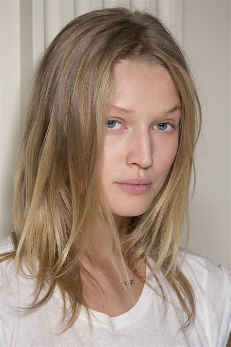 hairstyles for thin hair low maintenance the ultimate guide to low maintenance hair stylecaster