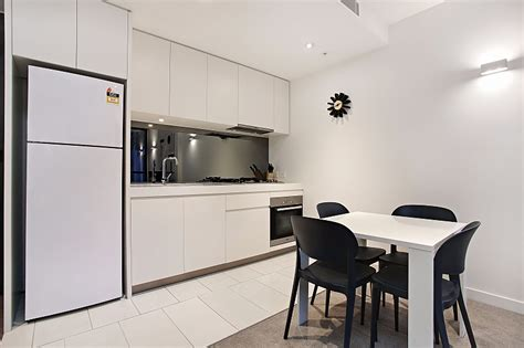 3 bedroom apartment melbourne 28 images melbourne apartment 509 at 108 flinders serviced apartments