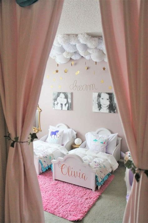25 best ideas about twin girl bedrooms on pinterest twin bed for 3 year old bunk three home design ideas 12