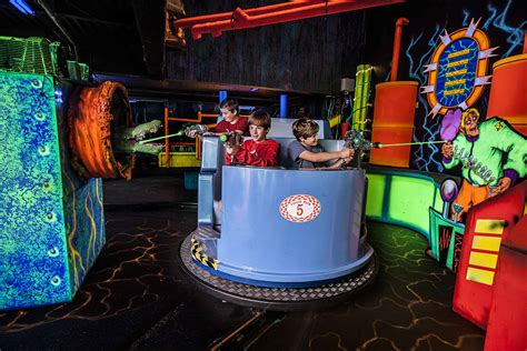 theme hotel niagara falls adventure city the ultimate attraction for kids of all