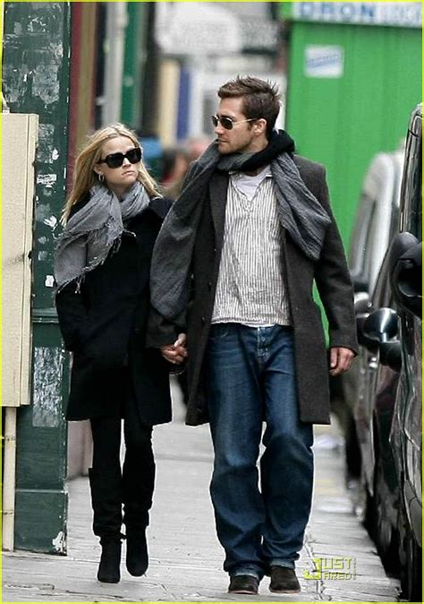 Jake Gyllenhaal Romancing Reese Witherspoon by Sized Photo Of Reese Witherspoon Jake Gyllenhaal Cafe