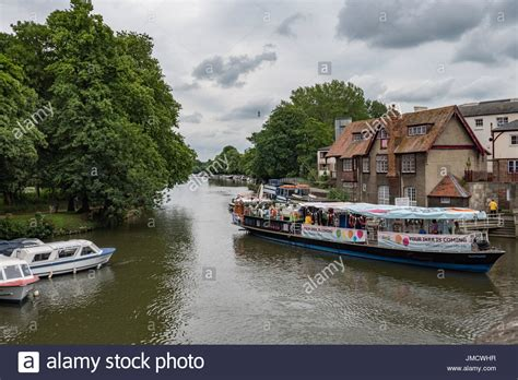 thames river boats oxford folly bridge oxford stock photos folly bridge oxford