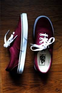 maroon color vans 25 best ideas about vans on burgundy