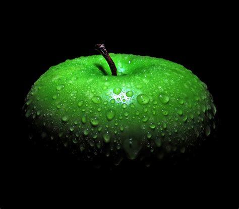 wallpaper apple green water droplets green apples apples black background