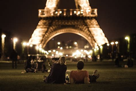 0008100594 when in french love couple eiffel france love image 638835 on favim