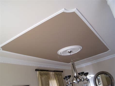 baseboard used on ceiling and moulding on ceiling here
