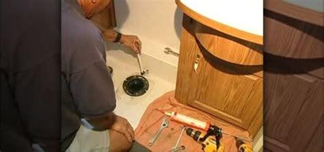 install  toilet   rv construction repair