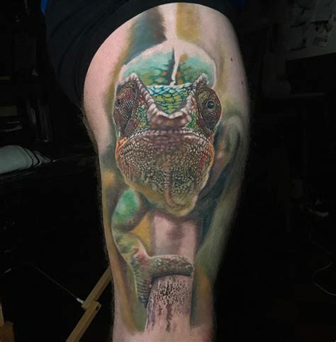 chameleon realistic mens thigh tattoo best tattoo