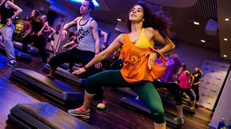 imagenes en movimiento de zumba 161 zumba fitness baile con ejercicio taringa