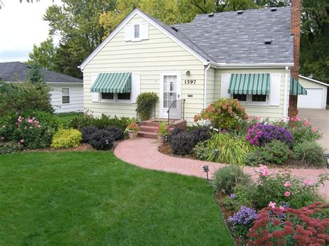 front yard makeover house home outdoor spaces - Front Yard Makeover