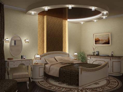 ceiling mirror above bed интерьер спальни в квартире