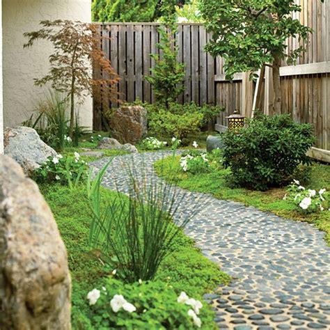 Pebble Garden by 32 Amazing Pebble Garden Paths Digsdigs
