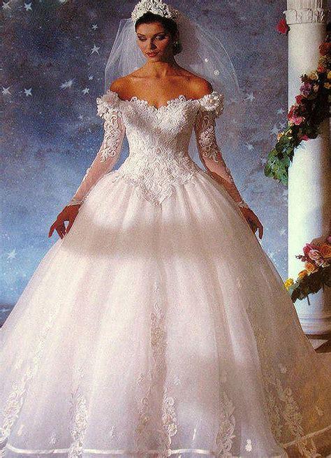Achetez en Gros robe de mariage médiéval en Ligne à des