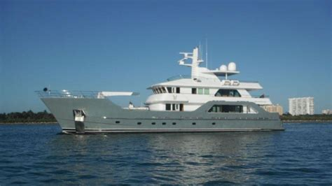 yacht  sale boat international
