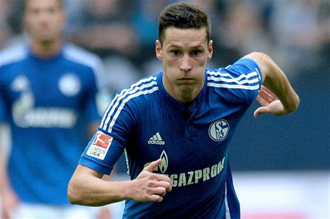 nicholas arsenal should sign utd target to challenge arsenal set to revive bid to sign 163 37m chelsea and utd target julian draxler daily